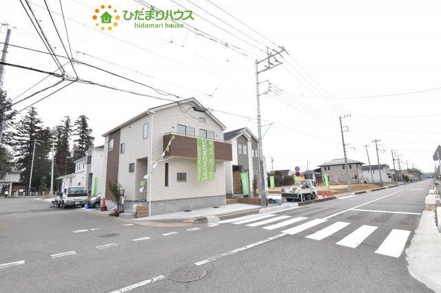 【前面道路含む現地写真】上尾市小泉8丁目 新築一戸建て 04