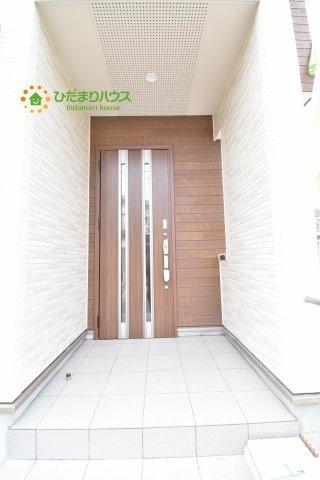 【玄関】上尾市小泉8丁目 新築一戸建て 04