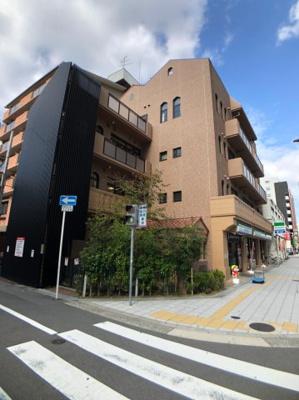 すぐ近くには桜川保育園がございます。