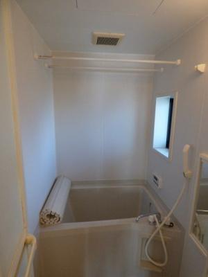 【浴室】クレセントD