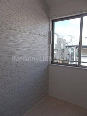 ハーモニーテラス高松Ⅱのこちらの居間で趣味の時間をお楽しみください