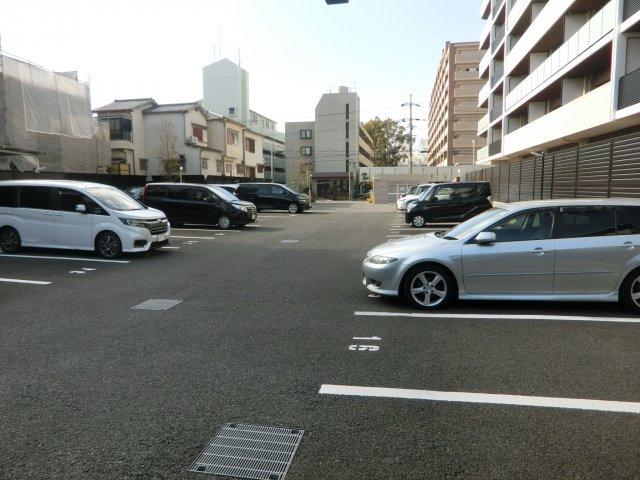【駐車場】グランドパレス上新庄小松