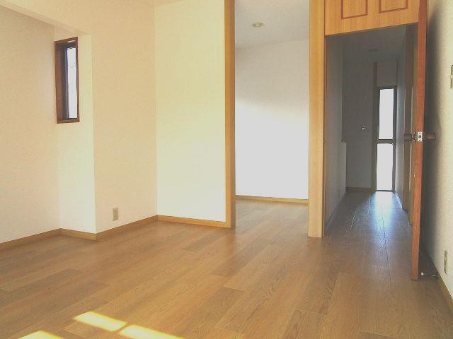 2階 洋室