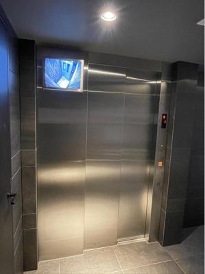エレベーターがあり、上階への移動もスムーズです。