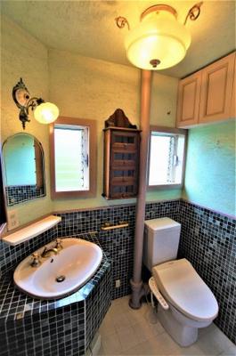 洗面・トイレです。床暖房があり快適です。