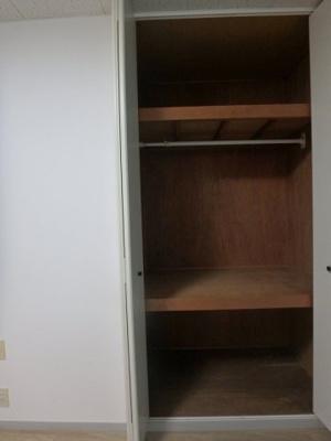 洋室6帖のお部屋にある収納スペースです!かさ張るお荷物もすっきり!※参考写真※