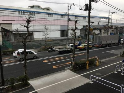 建物すぐに、「梅屋敷駅」がございます。