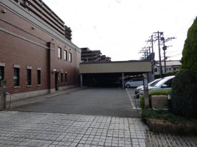 【エントランス】アンピール馬出九大病院前(アンピールマイダシキュウダイビョウインマエ)