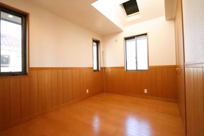 広々とした洋室です 三郷新築ナビで検索