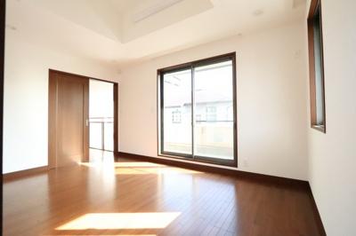落ち着いて過ごせるお部屋なので、寝室にいかがでしょうか 三郷新築ナビで検索