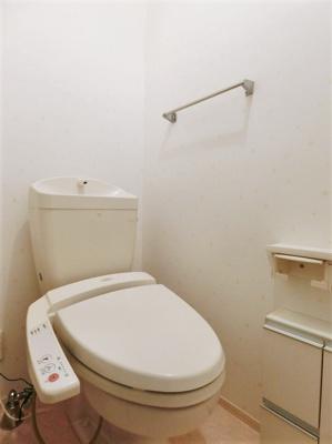 洋室3帖のお部屋にあるウォークインクローゼットです♪たっぷり収納できてお洋服や荷物が多くてもお部屋すっきり☆
