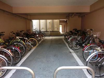 駐輪所 同タイプの別室になります現況を優先します。