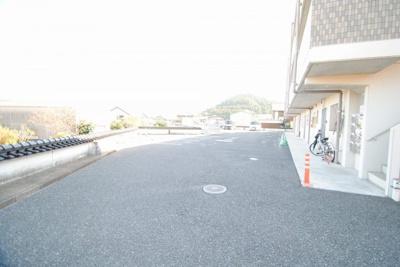 【駐車場】ユーミー山川