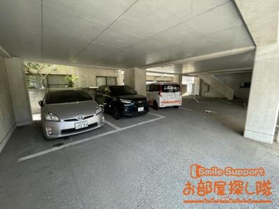 【駐車場】サンコーポラスⅢ
