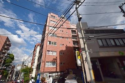 東京メトロ千代田線「千駄木」駅徒歩約2分の便利な立地です。