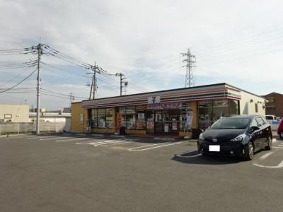 セブンイレブン伊勢崎市民病院前店まで320m