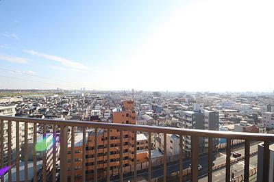 14階建て最上階のお部屋からの眺望は良好です。