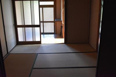 【居間・リビング】栄町1丁目笹井貸家 (株)Roots