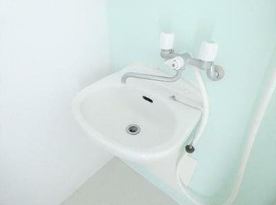 シャワールーム・洗面台(同一仕様)