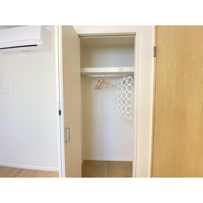 お部屋はすべて収納付きでスペースがすっきりと片付きます。