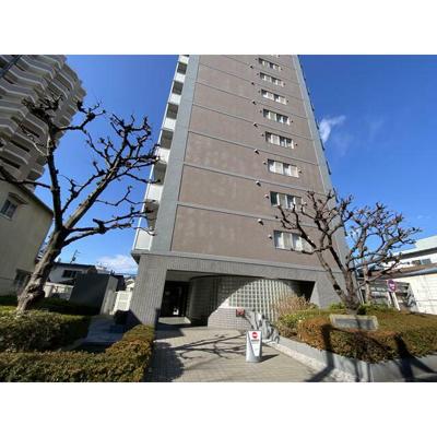 京成本線「お花茶屋」駅から徒歩約8分の立地です。