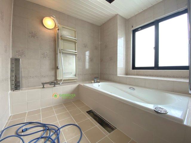 【浴室】久喜市青毛1丁目 店舗付き中古戸建て
