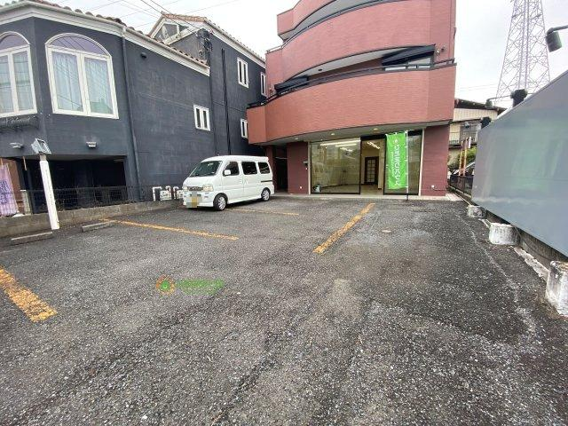 【駐車場】久喜市青毛1丁目 店舗付き中古戸建て