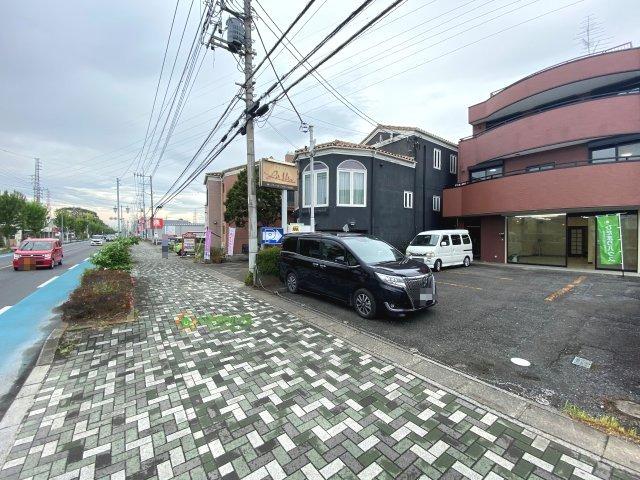 【前面道路含む現地写真】久喜市青毛1丁目 店舗付き中古戸建て