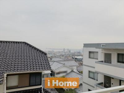 バルコニーから神戸の街を一望できます!