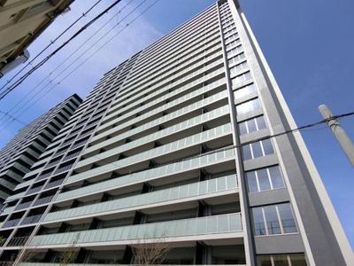 地上23階建てです。一目でジオ天六ツインタワーとわかるマンションです。