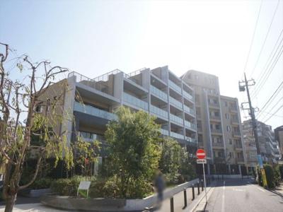 清水建設急施工のヴィークシリーズの築浅マンション。