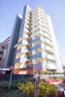 清水建設施工のSRC構造12階建です。