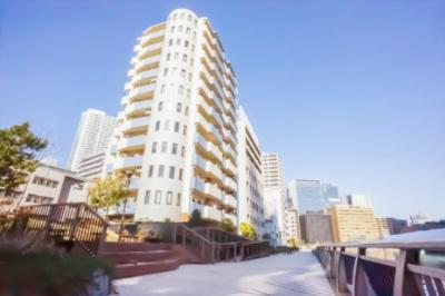 建物横には、芝浦西運河の遊歩道がございます。