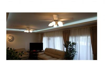 折上天井/シーリング照明で夜はおしゃれな空間になります