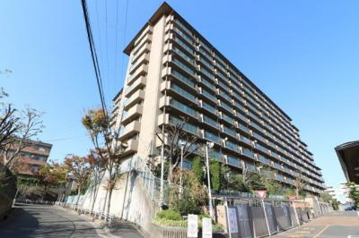 【現地写真】 鉄骨鉄筋コンクリート造の172戸♪大型分譲マンション♪