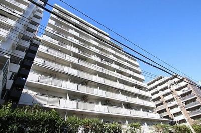 都営新宿線「大島」駅徒歩約10分の通勤通学に便利なマンションです。