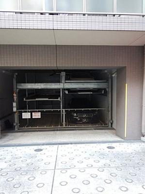 敷地内機械式駐車場です。空き状況はお問い合わせください。