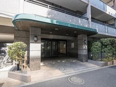 クレストフォルム高井戸南 エントランスです。