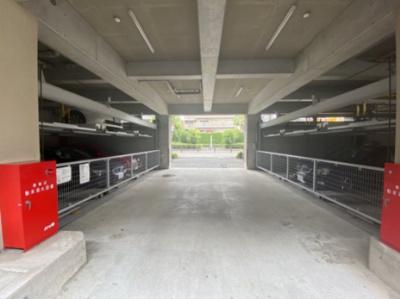 機械式の駐車場です。