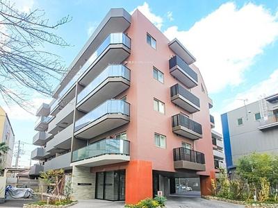 京成押上線「四ツ木」駅徒歩約7分、平成30年築のマンション。