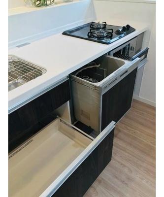 浄水器や食洗機などの設備も充実しております。