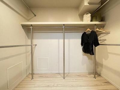 大容量のWICやトランクルームなど収納豊富な間取り。