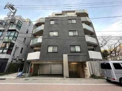 東京メトロ日比谷線「広尾」駅徒歩約3分の立地。