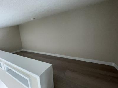洋室(6.1帖)にあるロフトです。 収納にはもちろん、布団を敷いてベッド変わりにも使えます。