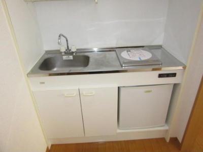 ☆ミニ冷蔵庫付きのキッチン☆