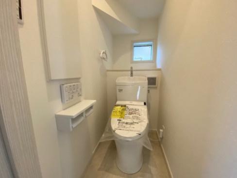 トイレは1階と3階にあります。