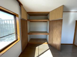 2階洋室収納スペース 2階洋室は2部屋ございまして、各部屋収納1つずつ+ウォークインクローゼット付!