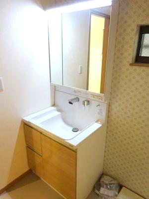 【施工例】充実の設備が標準仕様です。洗面台なども仕様から選ぶ楽しみが増えますよ♪