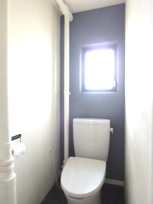 トイレに窓あり、換気も安心