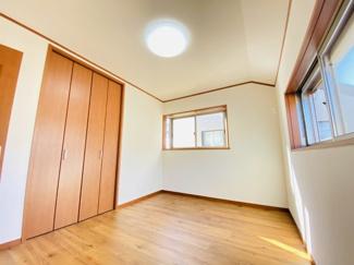千葉市若葉区桜木北 中古戸建て 桜木駅 クローゼット付きの6帖となっております。